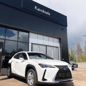 @toyotakaivoksela: Toyota Kaivoksela on suljettuna Helatorstaina 21.5. 🌻  Palvelemme perjantaina jälleen normaalisti, huoltopalvelut klo 7-18 ja automyynti klo 9-18.  Olemme myös lauantaina auki klo 10-15! ✨  Tervetuloa!  P.S. Meillä laaja valikoima Lexus-vaihtoautoja sekä vähän ajettuja Lexus-esittelyautoja!  Tutustu lisää nettisivuillamme 🌸  #toyotakaivoksela #ttnordic #toyotatsushonordic #lexus