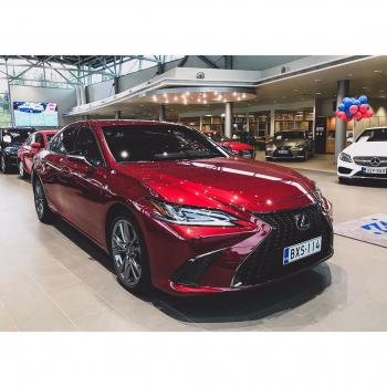 @tsushoauto: Lexus ES 300h F Sport S 0108518430 | www.tsushoauto.fi  #lexus#lexuses#lexuses300#lexuses300h#hybridcar#hybridiauto#lexussuomi#lexusfinland#carsoffinland#esfsport#fsportsociety#fsport_society#fsport_family#lexusfsport#espoo#tsushoauto#autoliike