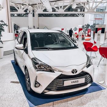 @toyotakaivoksela: Toyota Yaris 🤍 Myös hybridinä  Tarjoamme nyt koko Toyota-mallistoon edullisen rahoituskoron 0,9% + kulut!  Tervetuloa Toyota Kaivokselaan tutustumaan uudistuneeseen mallistoomme.  #toyota#yaris#toyotayaris#toyotasuomi#hybridiauto#hybridcar#ttnordic#toyotakaivoksela